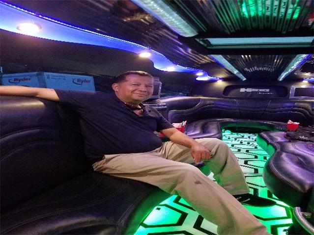 stretch limo2