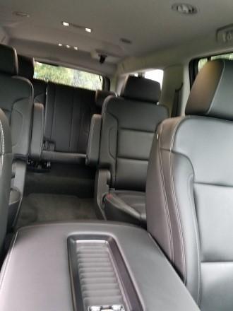 Chevy Suburban SUV1