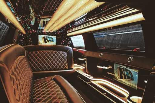 12-14 Passengers Lincoln Stretch Limo